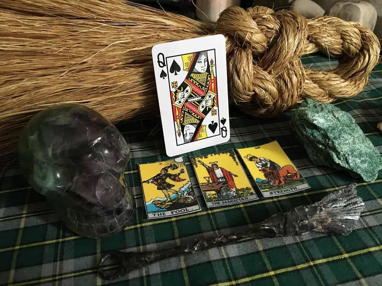 tarot cards psychic tools
