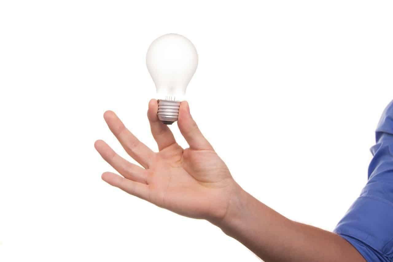 light bulb decision thinking