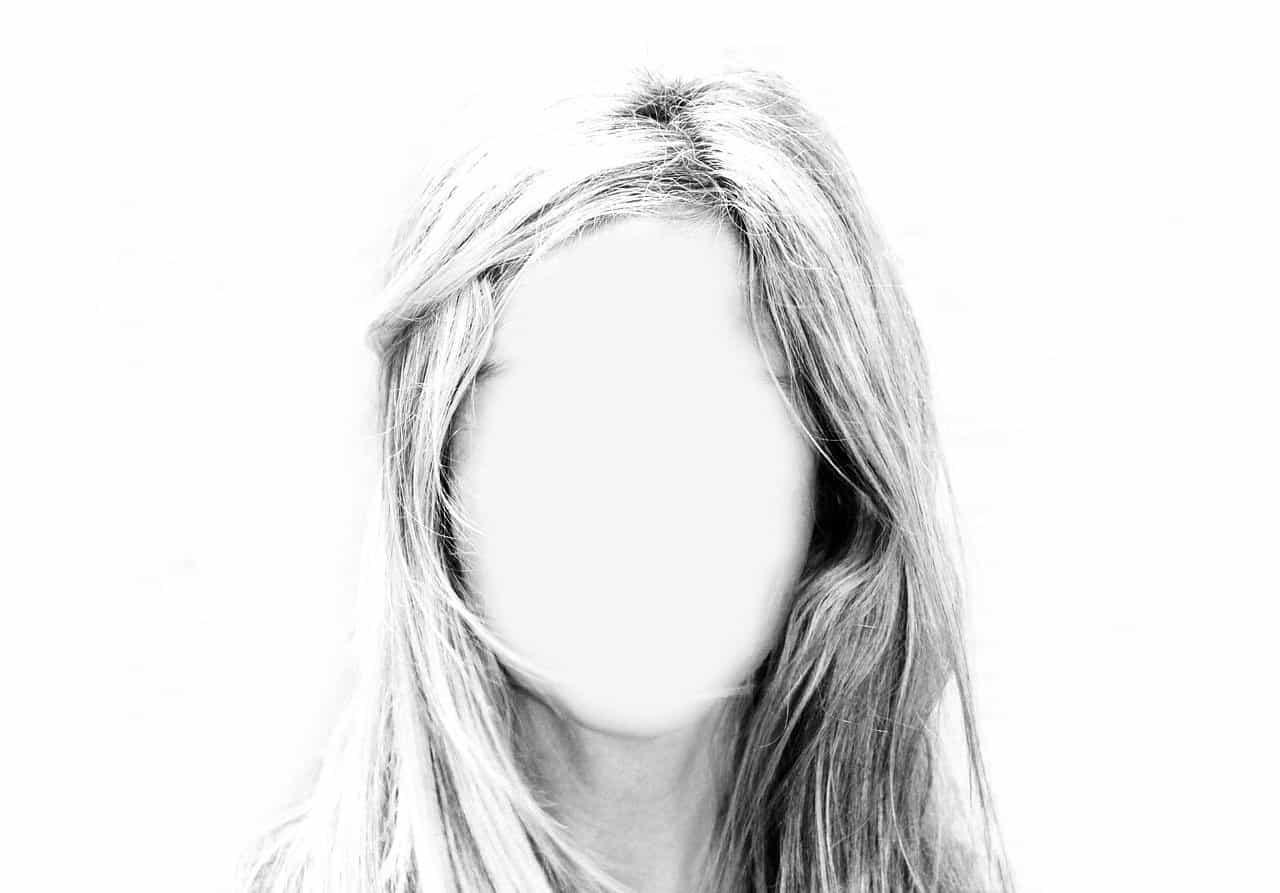 blank face woman