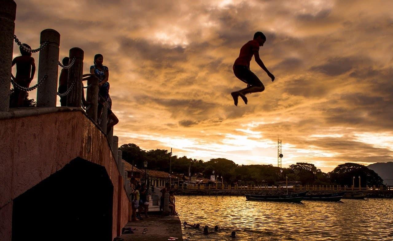 jumping from bridge