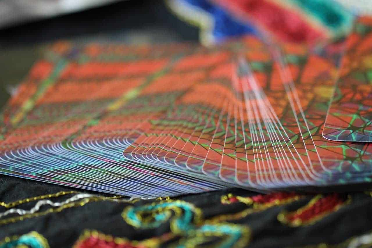 tarot cards table