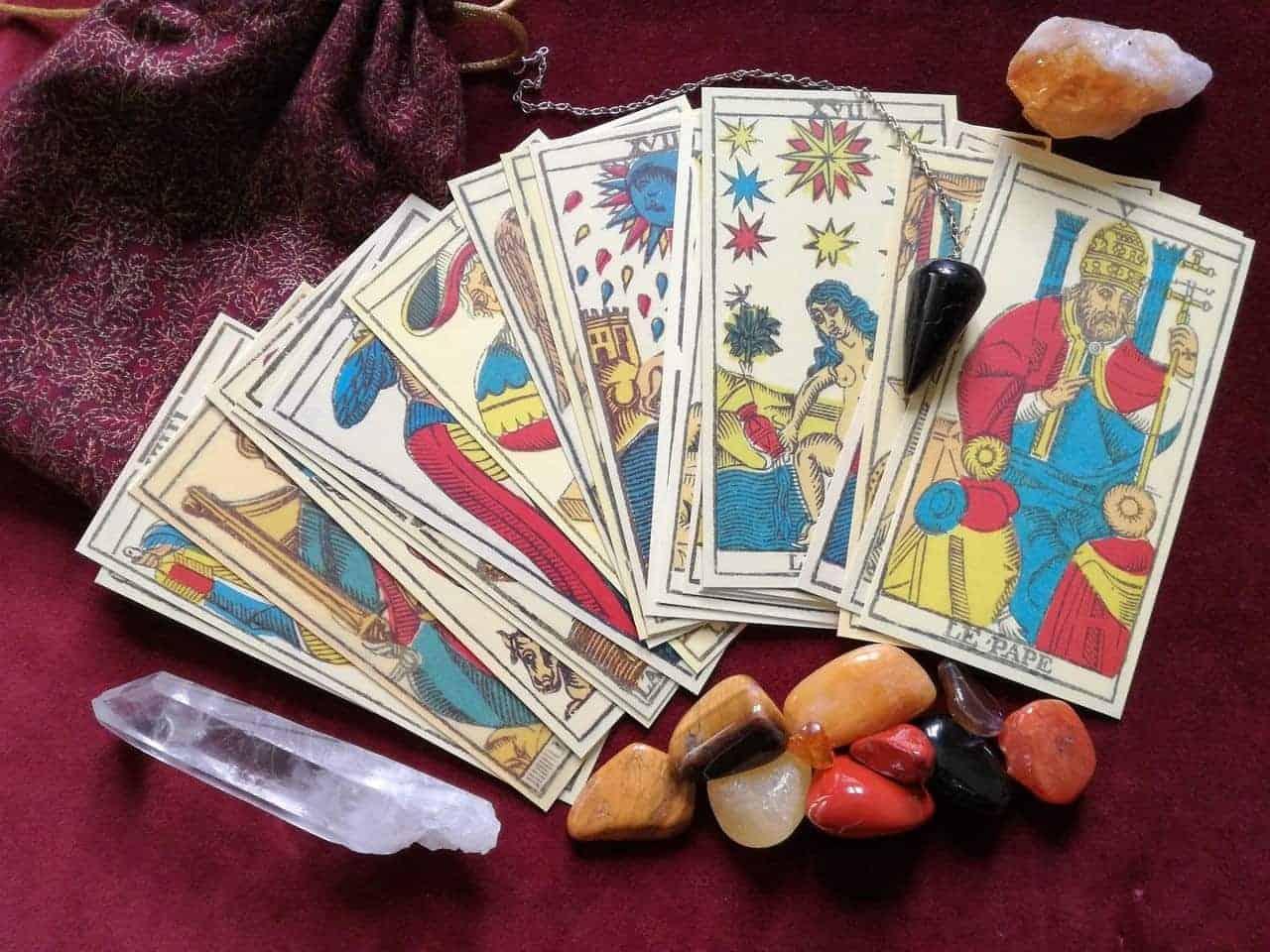 tarot cards crystal