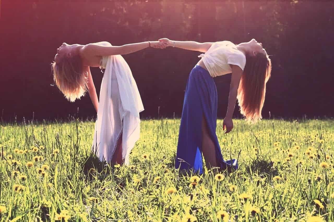 girls bond