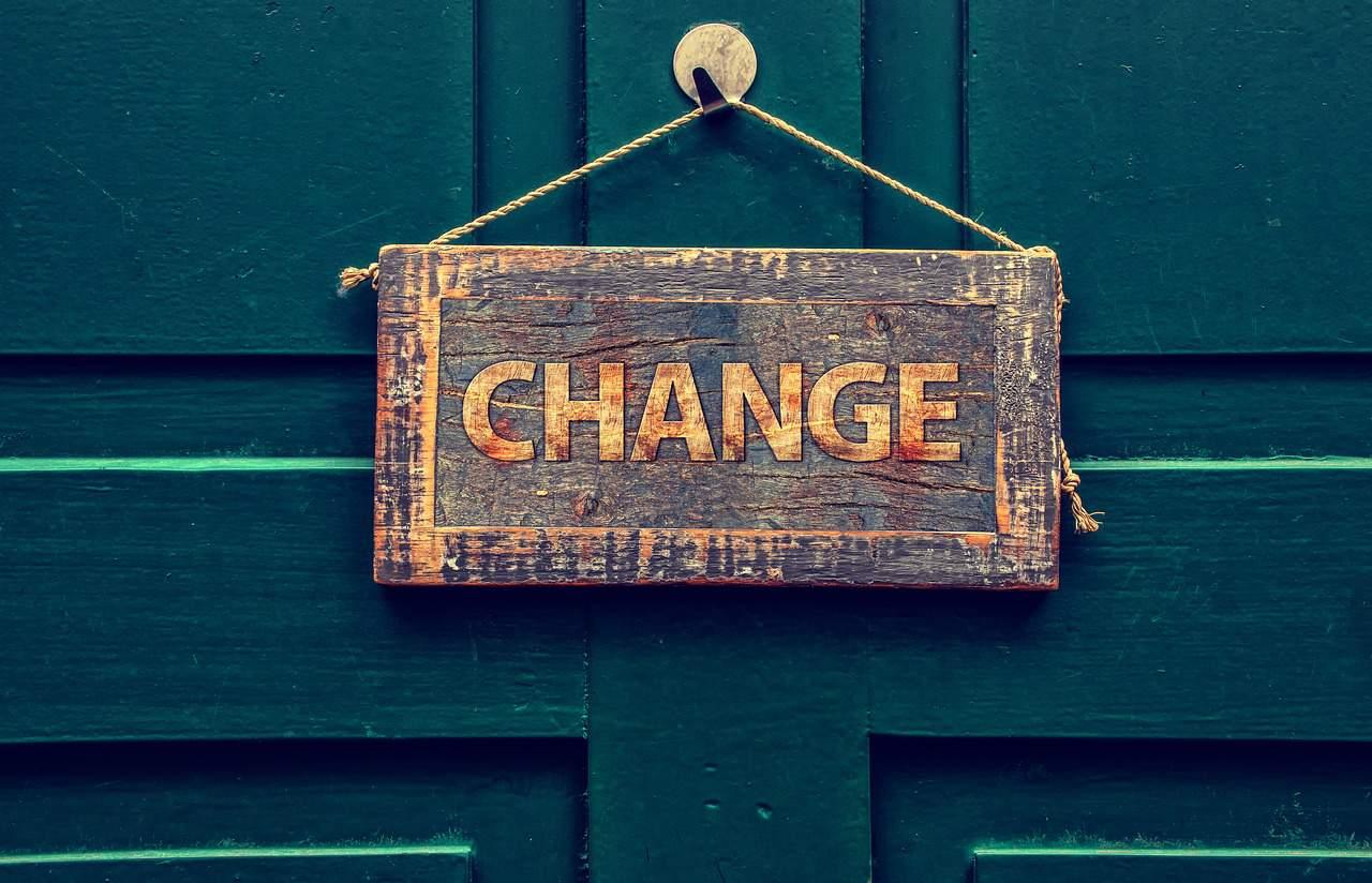 change sign door