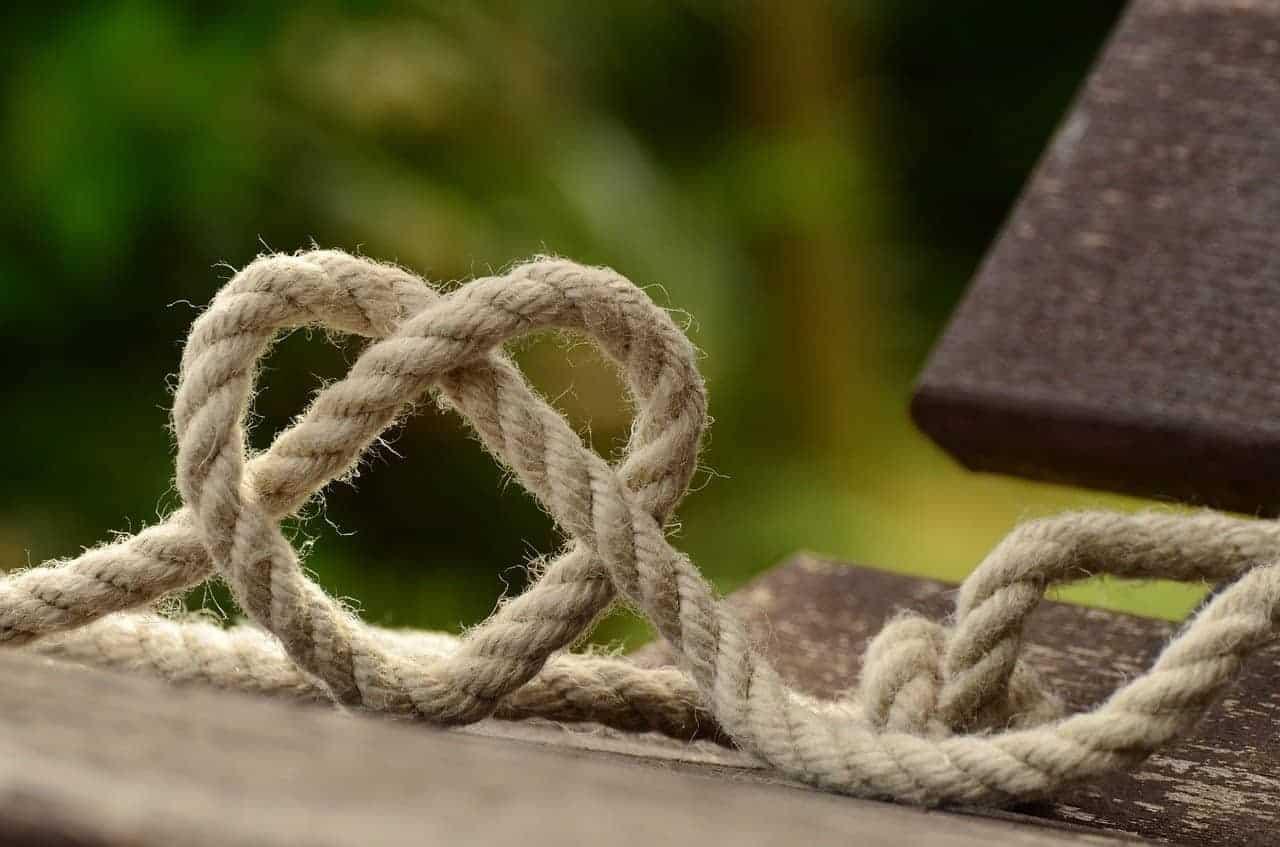 rope heart shaped