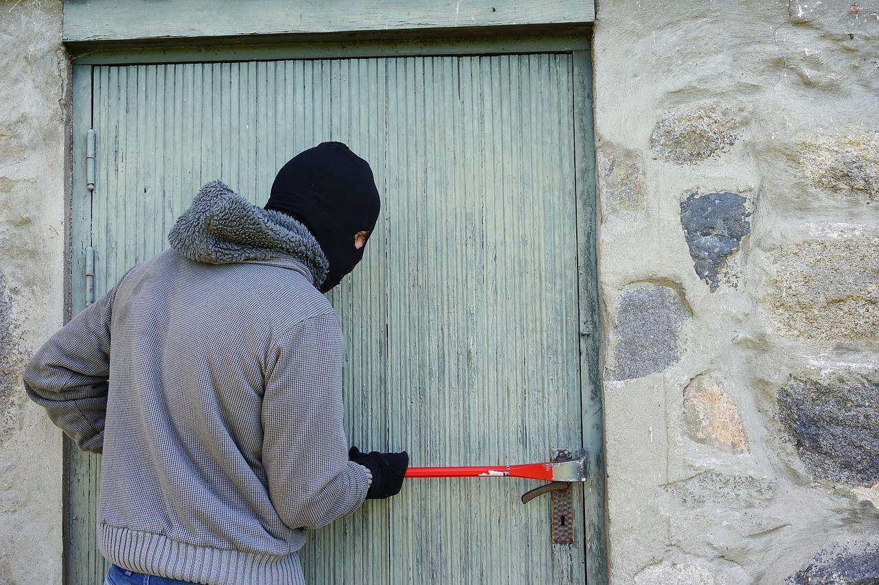 robber home