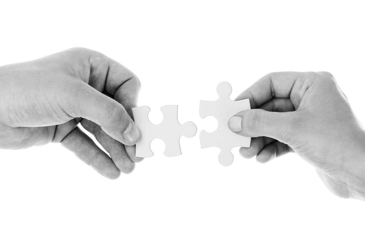 puzzle pieces couple