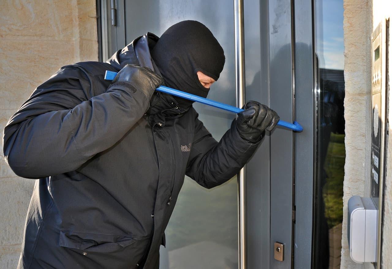 burglar breaking door